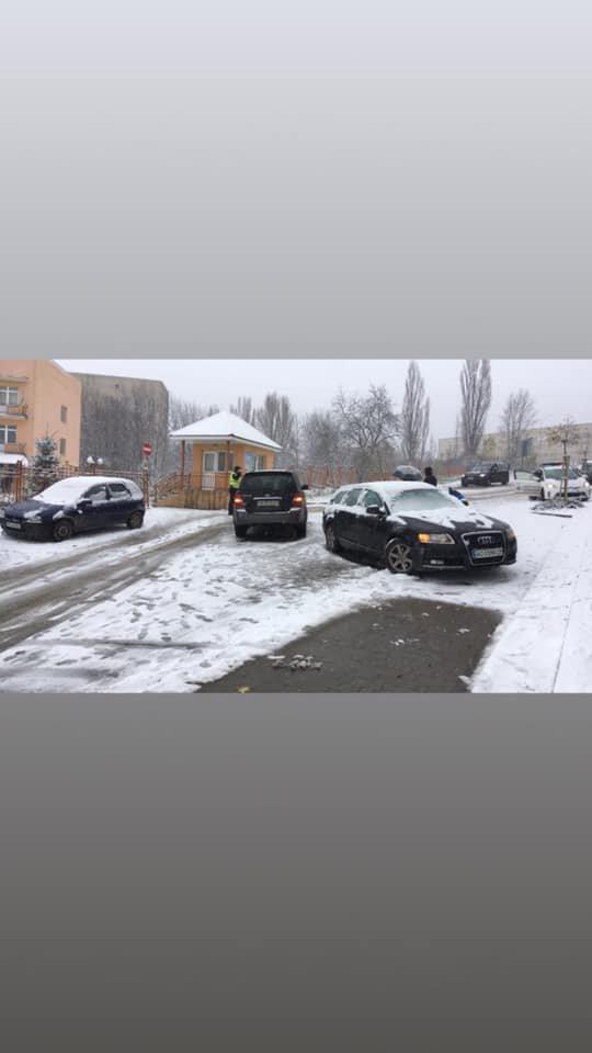 Перший сніг - перші жертви: на Закарпатті через погіршення погодніх умов аварія за аварією (ФОТО, ВІДЕО), фото-1