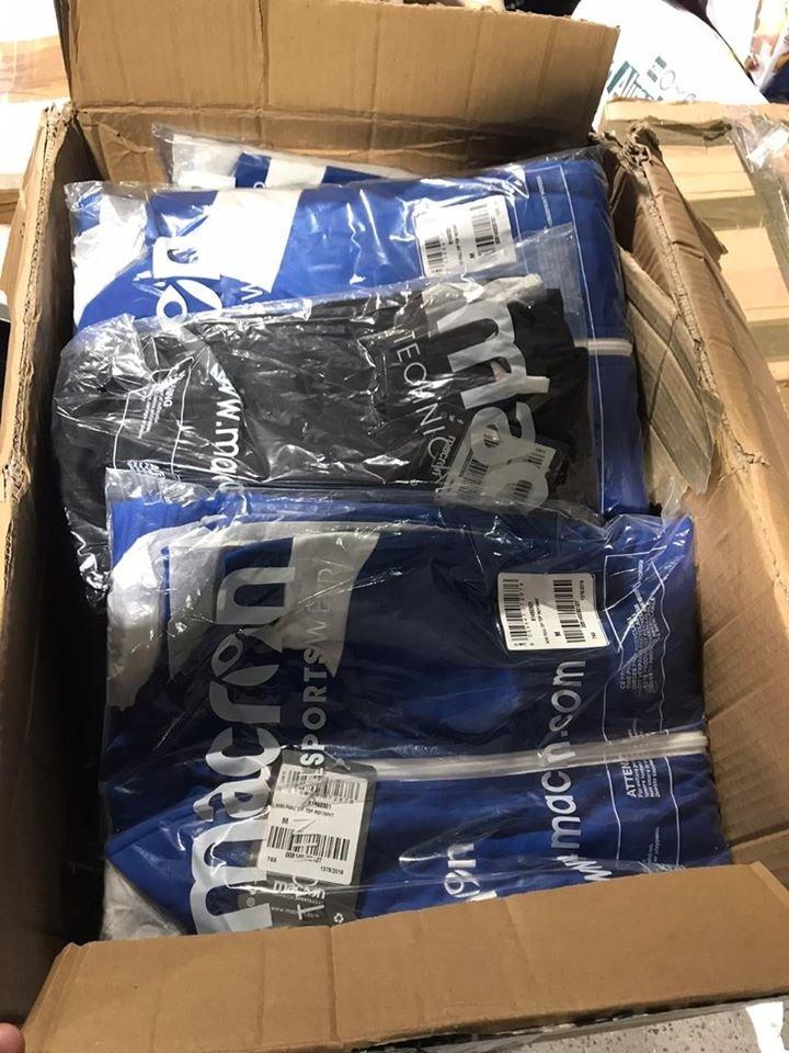 Закарпатські митники вилучилий брендовий одяг, вартість частини якого – понад 200 тис. грн (ФОТО), фото-1