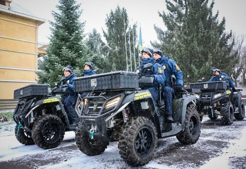 На Закарпаття відправили загін нацгвардійців із спецтехнікою (ФОТО), фото-1