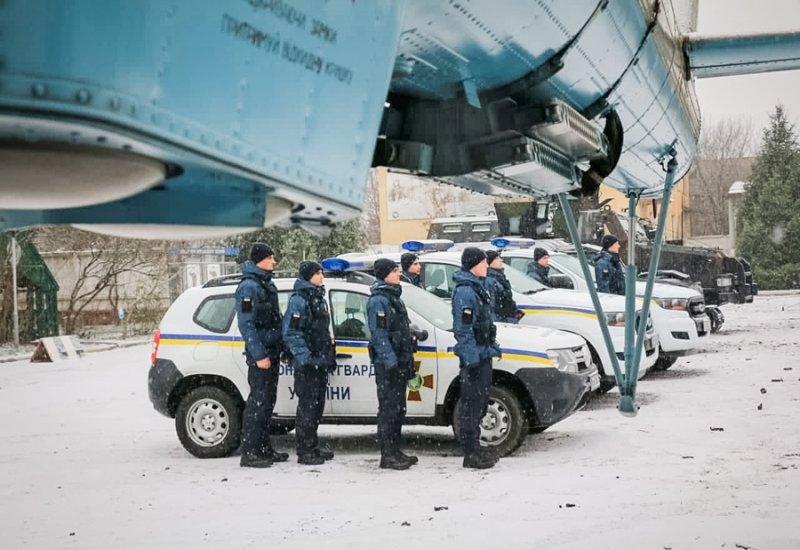 На Закарпаття відправили загін нацгвардійців із спецтехнікою (ФОТО), фото-2