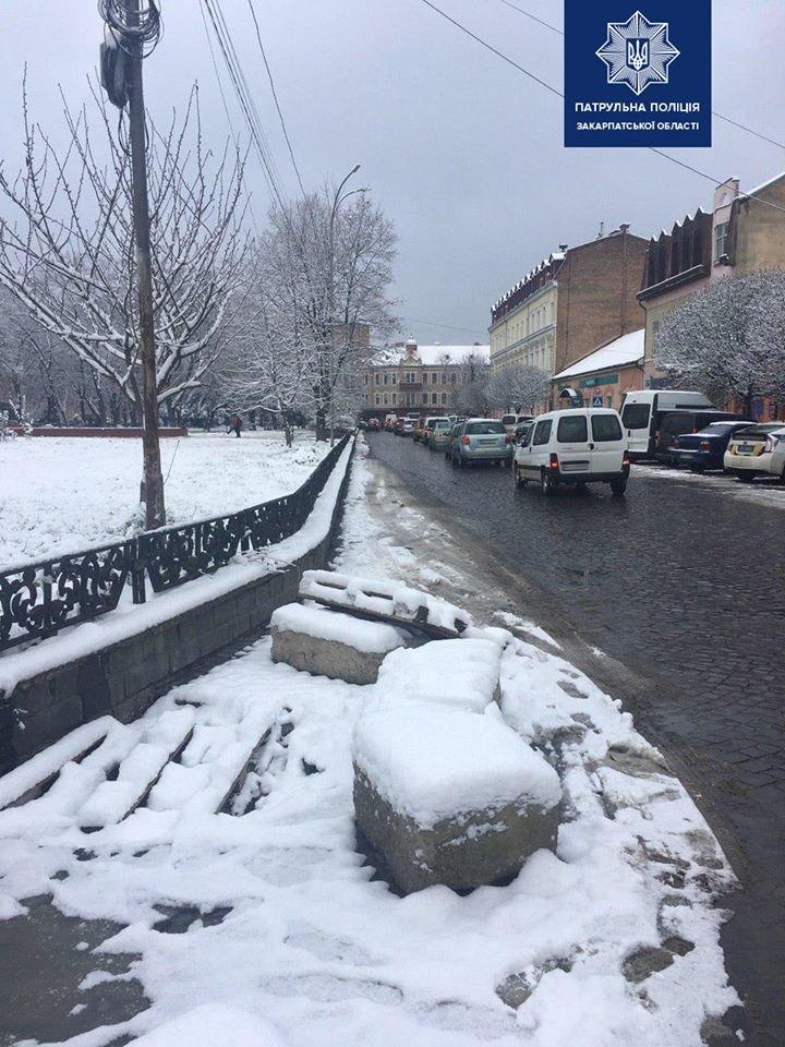 В Ужгороді штрафують водіїв, які паркуються на лівій смузі дороги на Петефі (ФОТО), фото-6