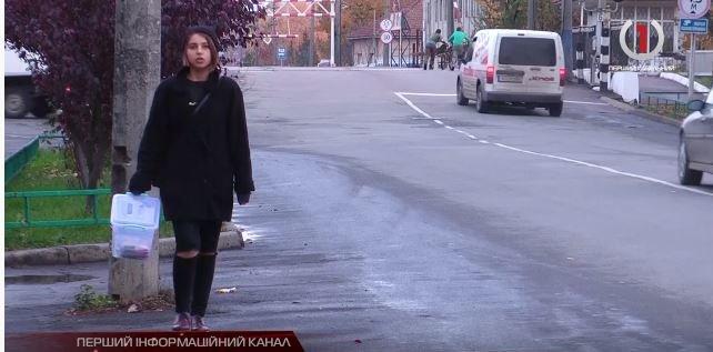 Шахрай чи благодійник: Закарпатські журналісти «у шкірі» волонтера вийшли на дорогу збирати пожертву (ВІДЕО), фото-1