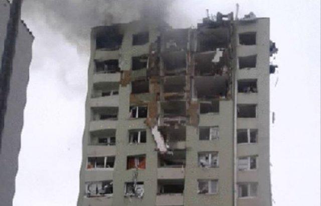 Стрибали, щоб врятуватись: у Словаччині стався вибух газу в будинку. Є загиблі (ФОТО, ВІДЕО18+), фото-4