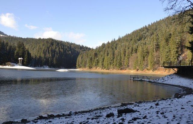 Неймовірний пейзаж: як виглядає озеро Синевир взимку, фото-2