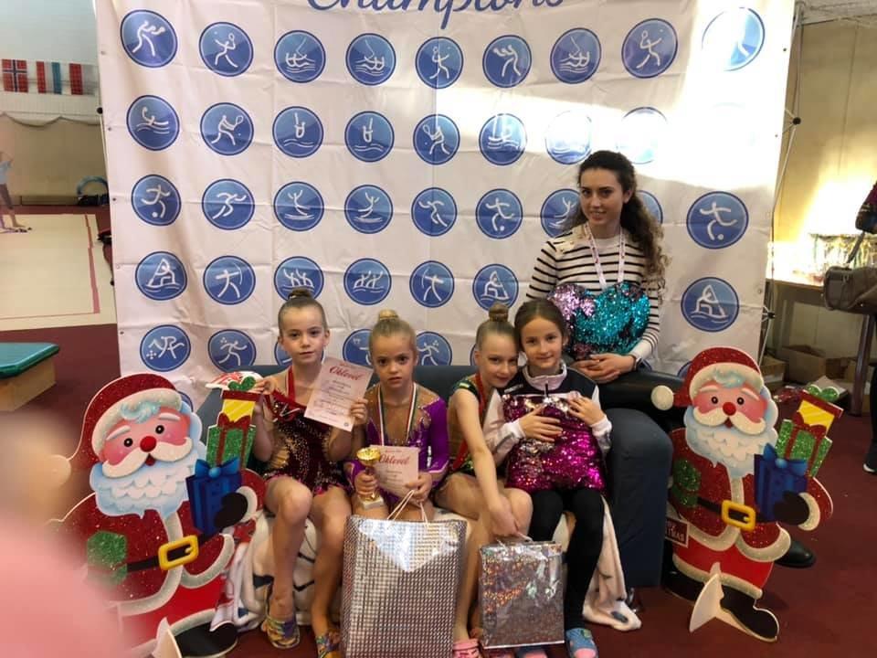 Юні спортсменки з Ужгорода привезли нагороди із міжнародних змагань з гімнастики (ФОТО), фото-3