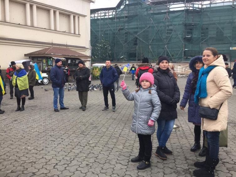 """В Ужгороді відбулось всеукраїнське віче """"Червоні лінії для Зеленського"""" (ВІДЕО), фото-2"""