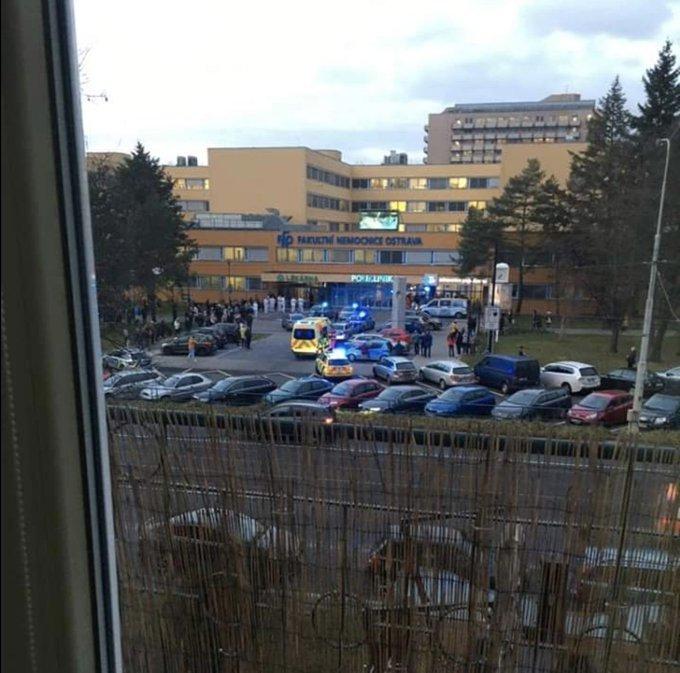 Загинуло 6 людей: У Чехії в лікарні чоловік влаштував стрілянину та згодом застрелився сам (ФОТО), фото-2