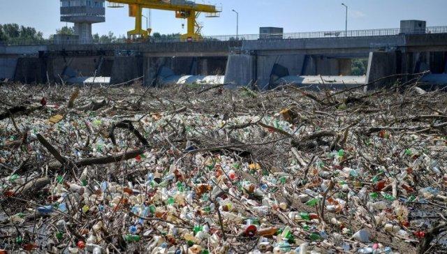 Людям має бути соромно: сусіди Закарпаття зібрали з Тиси 10 тис тонн сміття (ФОТО), фото-2