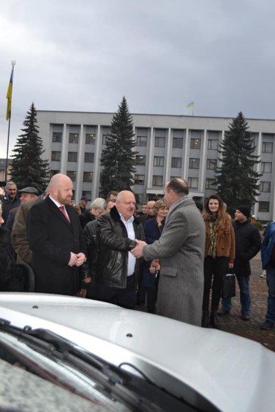 На Закарпатті 10 сільських амбулаторій отримали нові автомобілі, фото-2