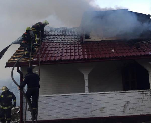 Вогняна пастка: на Закарпатті у пожежі травмувався 17-річний юнак (ФОТО), фото-1