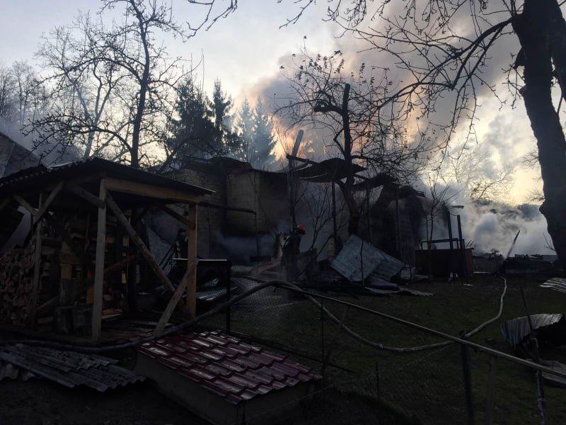 Вогняна пастка: на Закарпатті у пожежі травмувався 17-річний юнак (ФОТО), фото-4