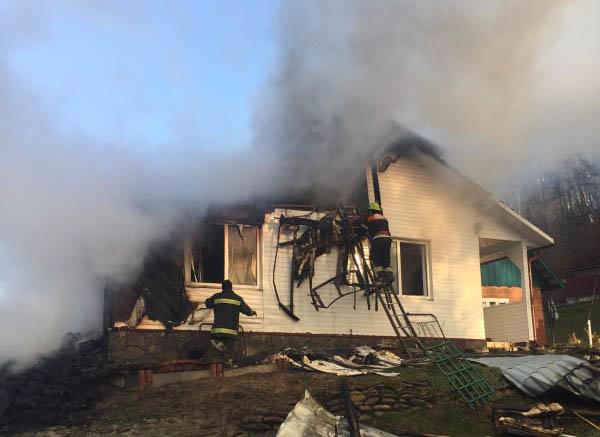 Вогняна пастка: на Закарпатті у пожежі травмувався 17-річний юнак (ФОТО), фото-2