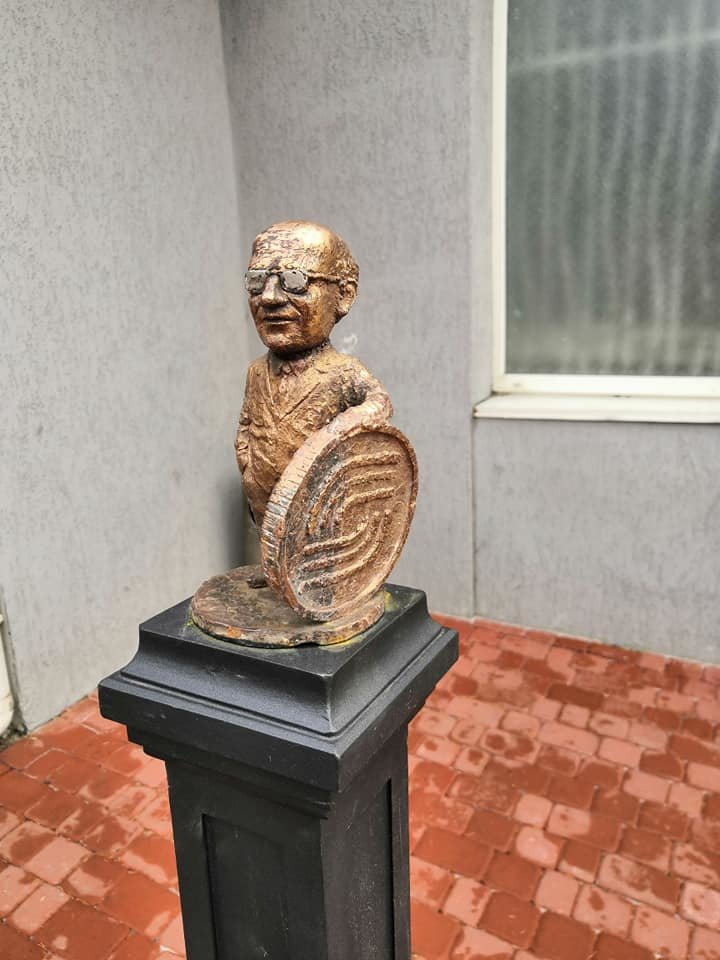 В Ужгороді 18 грудня відкриють нову міні-скульптурку (ФОТО), фото-3