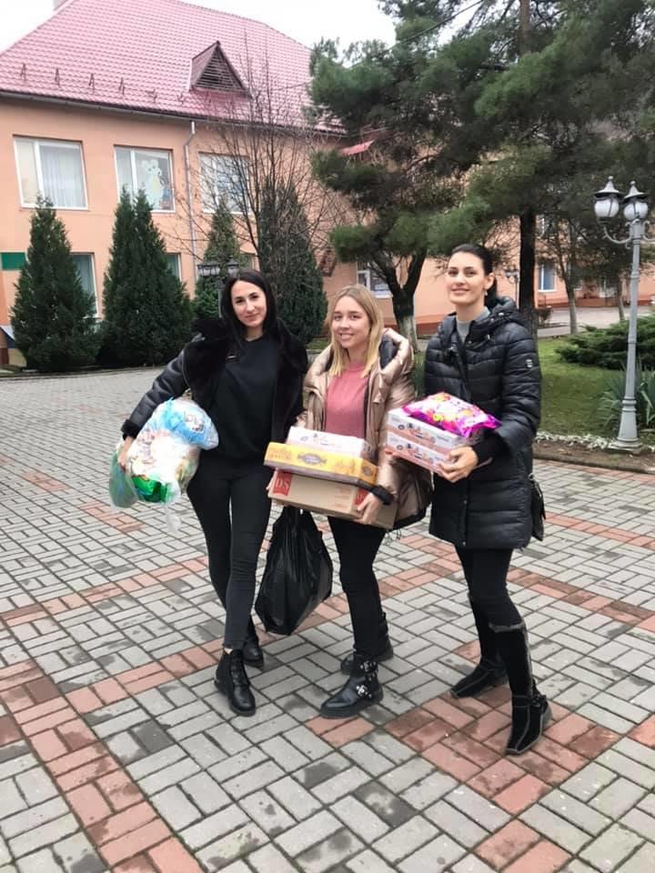 В Ужгороді невідомі викрали з авто речі, закуплені для дитячого будинку (ФОТО), фото-16