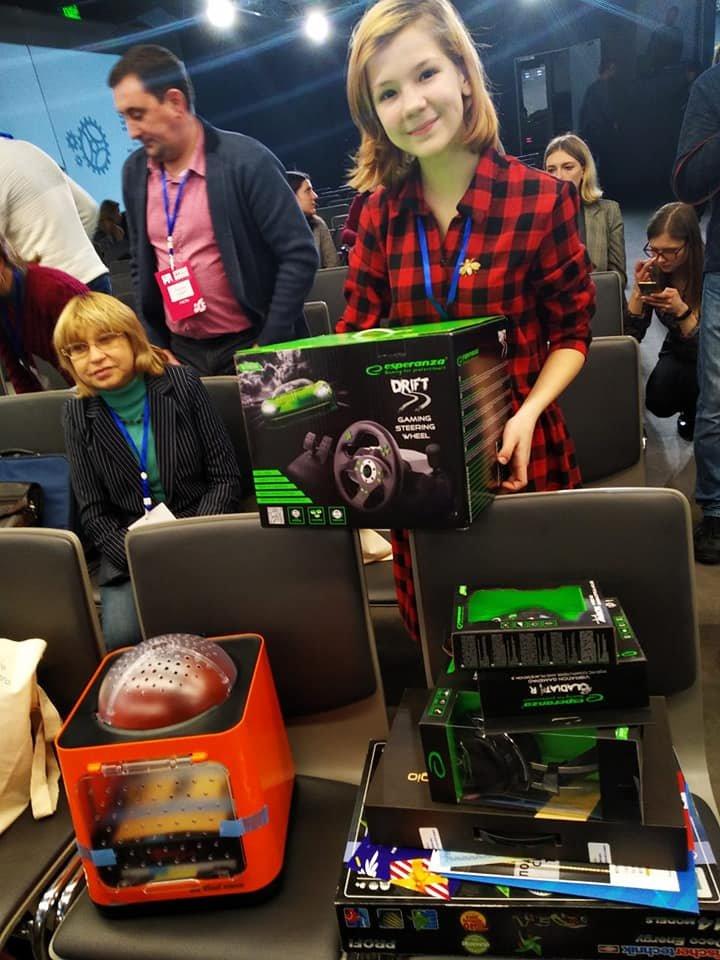 """SmartCity: юна закарпатка зайняла 1 місце на змаганнях з моделювання """"розумних"""" пристроїв (ФОТО), фото-6"""
