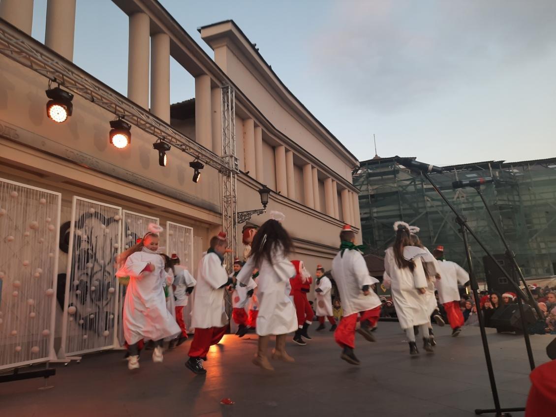 Майже дві сотні учасників: ужгородський парад Миколайчиків став рекордним за кількістю людей, фото-2