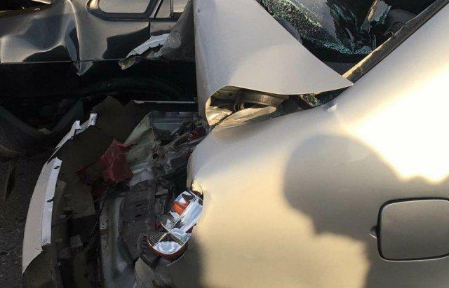 Масштабна автотроща на Закарпатті: Зіткнулись вантажівка та 3 легкові авто (ФОТО), фото-5