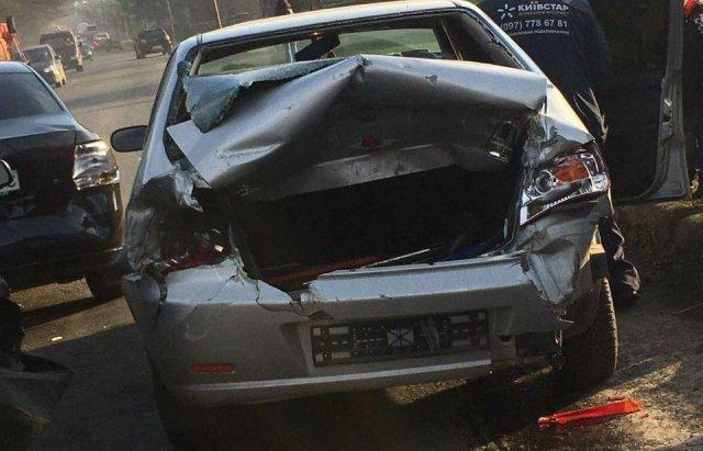 Масштабна автотроща на Закарпатті: Зіткнулись вантажівка та 3 легкові авто (ФОТО), фото-7