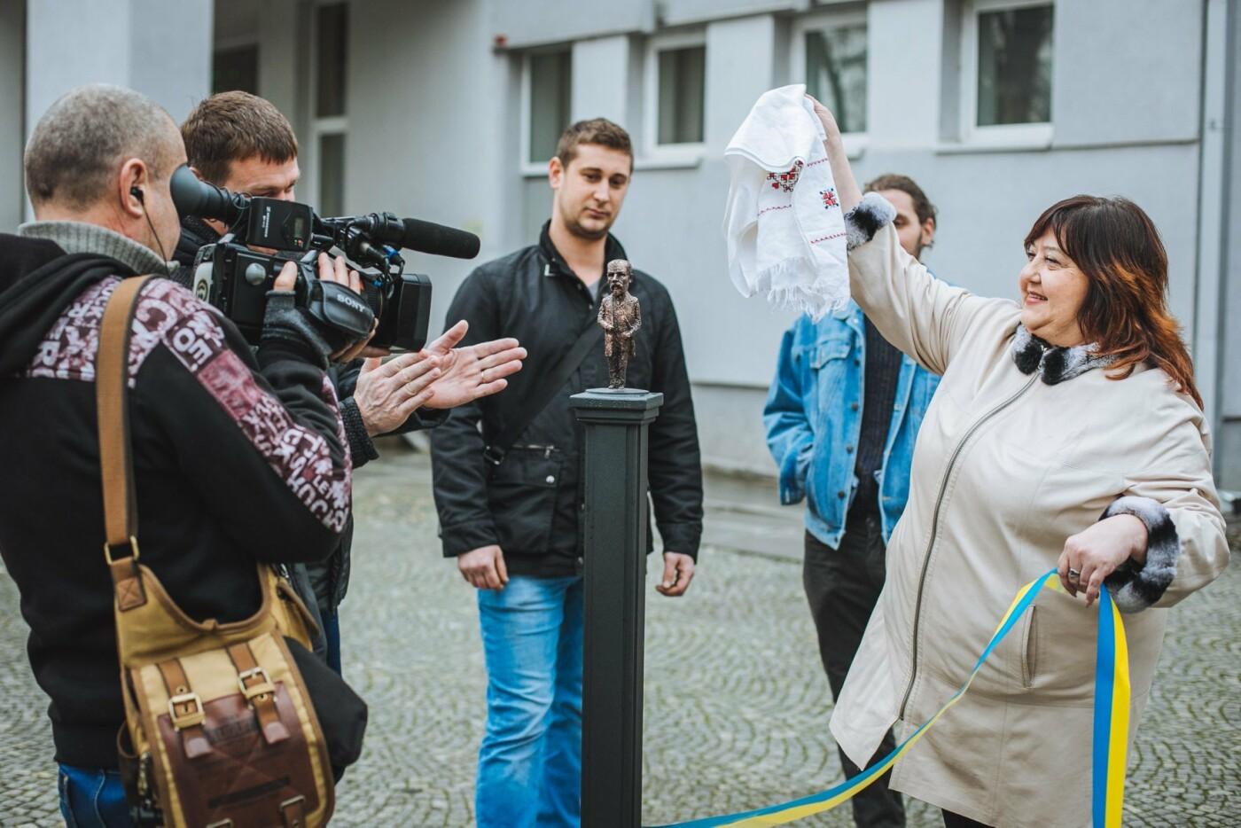 В Ужгороді відкрили ювілейну, 45-ту, мініскульптуру (ФОТО, ВІДЕО), фото-2