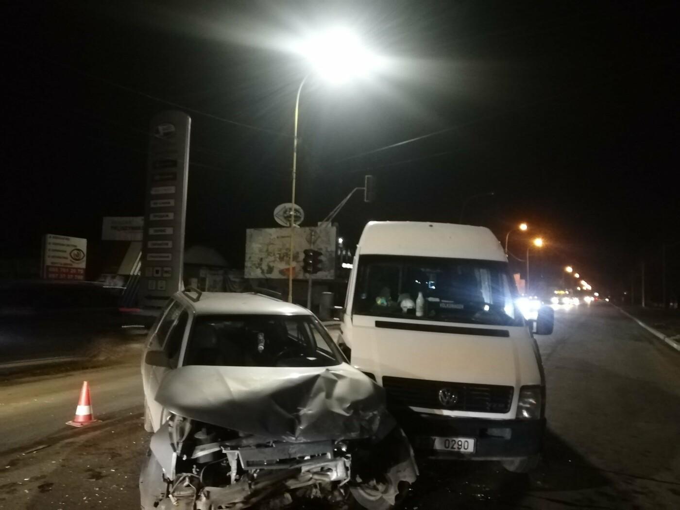 ДТП в Ужгороді: через зіткнення двох авто водійку госпіталізували до лікарні (ФОТО), фото-2