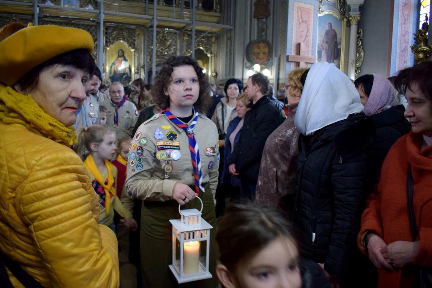 До Ужгорода привезли Вифлеємський вогонь миру (ФОТО), фото-4
