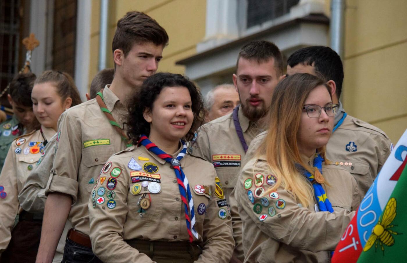 До Ужгорода привезли Вифлеємський вогонь миру (ФОТО), фото-9