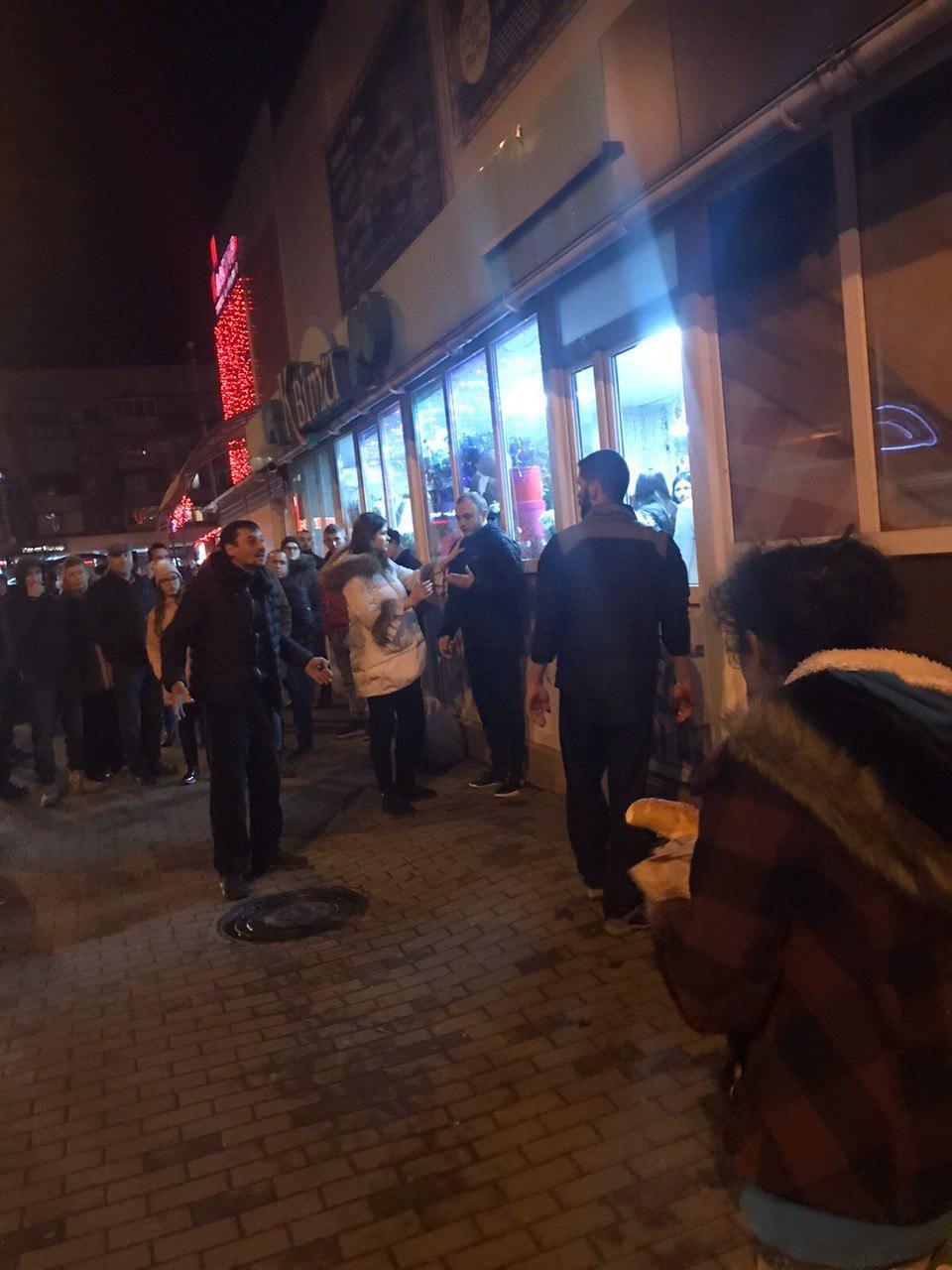 Чи було жорстоке побиття чоловіка в Ужгороді  - поліція надала офіційну інформацію інциденту (ФОТО), фото-2