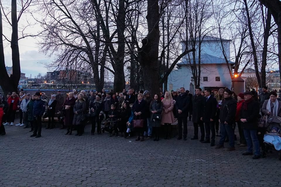 """Як в Ужгороді відзначали єврейське свято """"Хануку"""" (ФОТО), фото-2"""