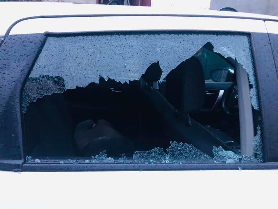 """Лікарю з Ужгородщини, який безкоштовно """"дарує усмішки"""" пенсіонерам, понівечили авто (ФОТО), фото-2"""