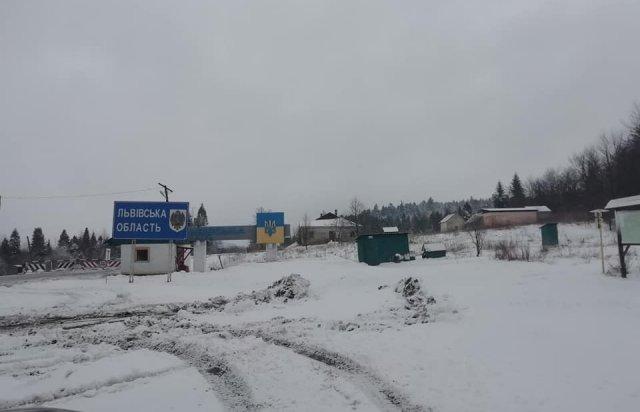 На Закарпатті на Ужоцькому перевалі випав сніг (ФОТО), фото-1