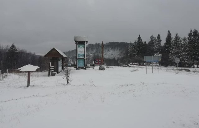 На Закарпатті на Ужоцькому перевалі випав сніг (ФОТО), фото-2
