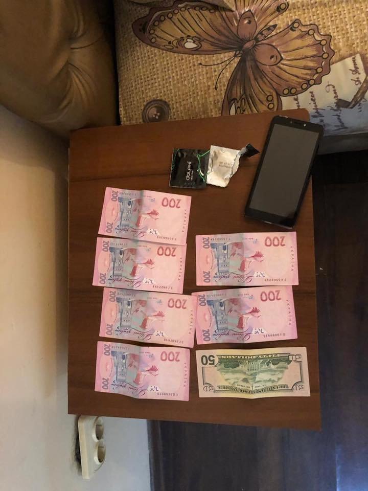 За послуги повії $100: в Ужгороді поліція виявила факт сутенерства (ФОТО), фото-1