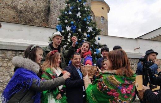 """Католицьке Різдво гучно відсвяткували у мукачівському """"Паланку"""" (ВІДЕО), фото-2"""