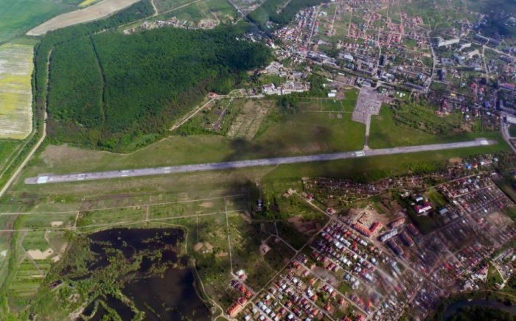 Для відновлення повноцінної роботи аеропорту Ужгород виконані практично всі умови - Украерорух, фото-1