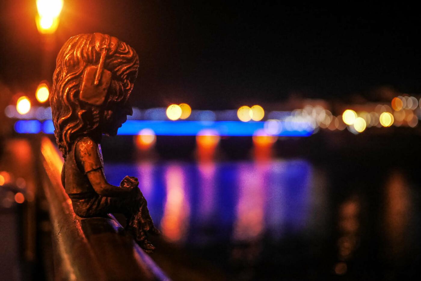 Яскраві ілюмінації, фотозони та ярмарок: в Ужгороді панує святкова атмосфера (ФОТОРЕПОРТАЖ), фото-38
