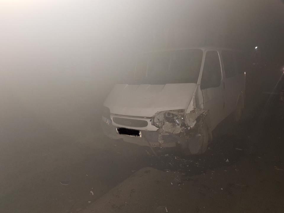 ДТП на Закарпатті: не розминулися автомобілі «ВАЗ-21070» і «Fоrd Тrаnsіt», фото-1