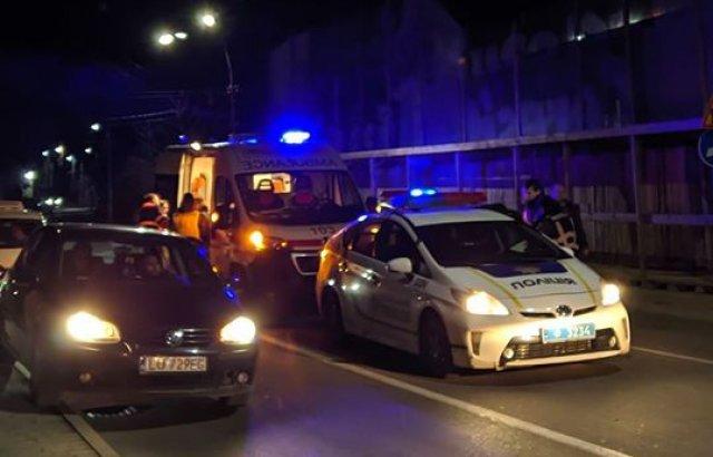 Нічна ДТП в центрі Ужгорода: постраждали дві жінки (ФОТО, ВІДЕО), фото-2