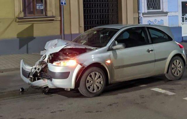 Нічна ДТП в центрі Ужгорода: постраждали дві жінки (ФОТО, ВІДЕО), фото-4