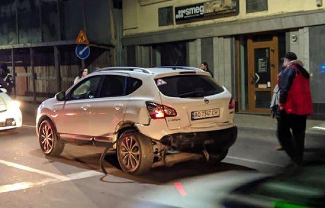 Нічна ДТП в центрі Ужгорода: постраждали дві жінки (ФОТО, ВІДЕО), фото-5