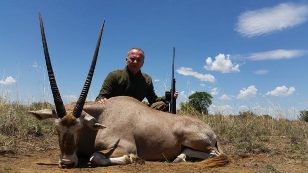 Мережу вразили фото Шуфрича із сафарі на рідкісних тварин в Африці , фото-3