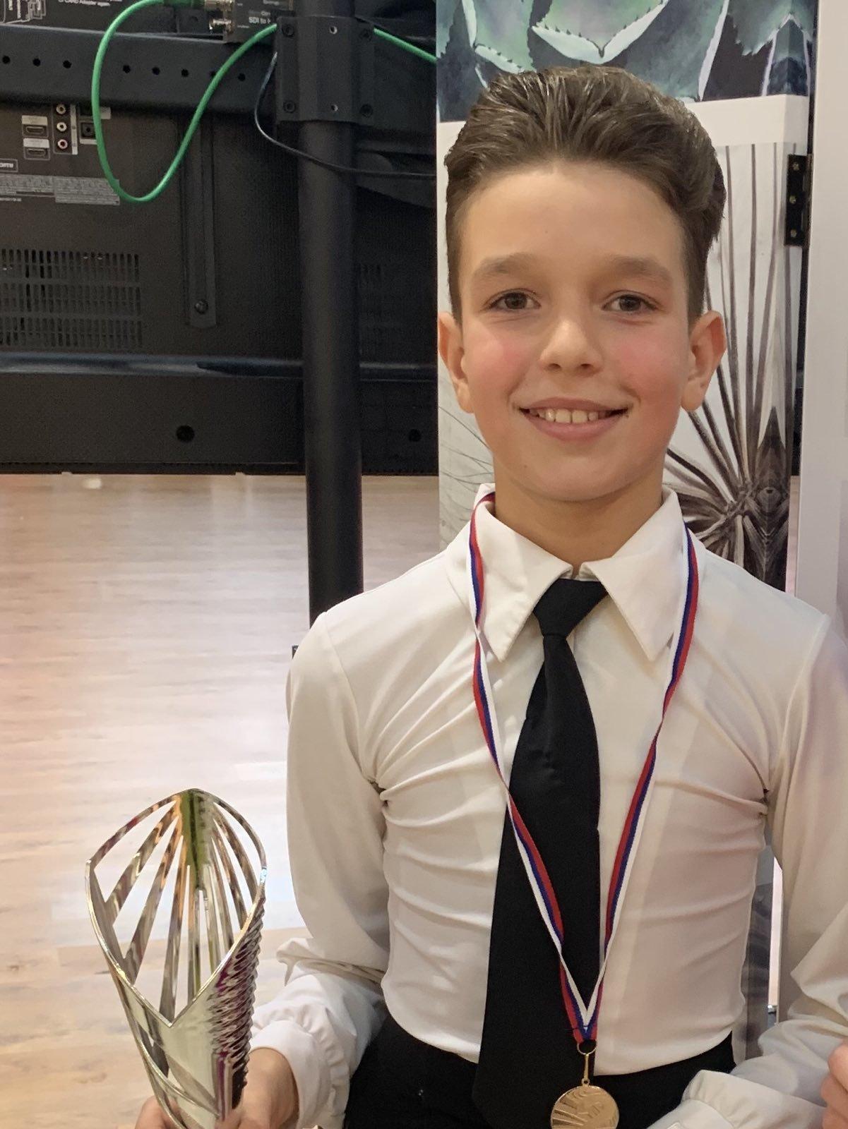 Дитину спіткала важка недуга: допоможіть 11-річному ужгородцю подолати лімфому Ходжкіна (ФОТО), фото-4