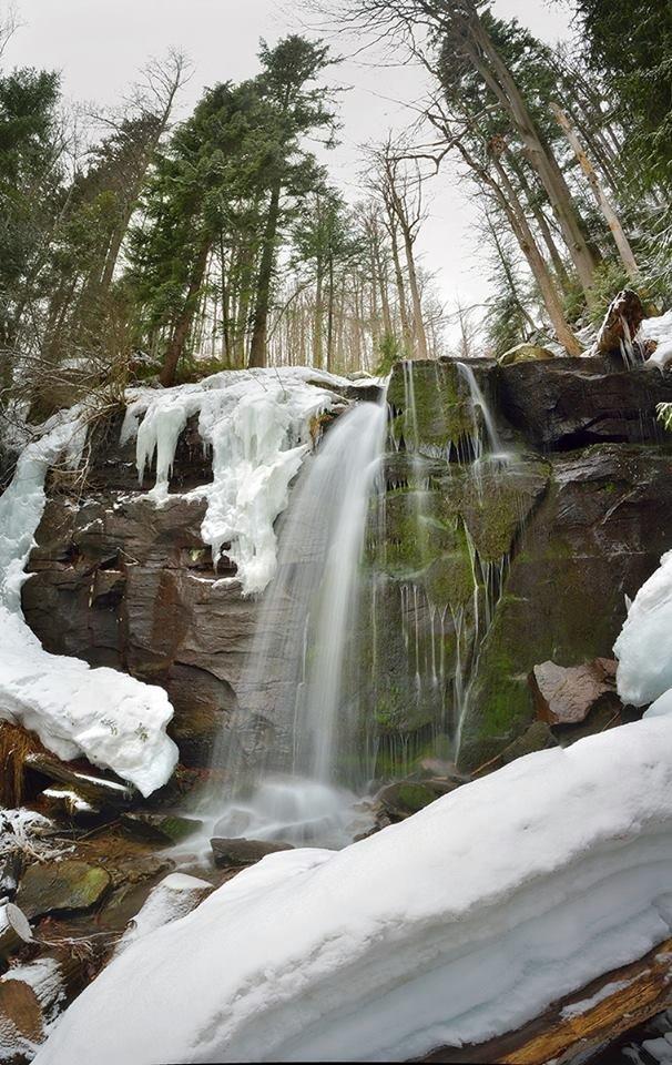 Водограй, що зачаровує: Як взимку виглядає закарпатське диво природи (ФОТО), фото-1