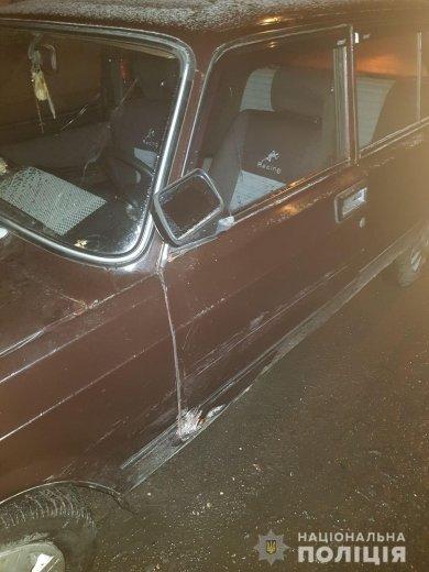 Збив чоловіка та втік: поліція розшукала водія, який наїхав на людину на Виноградівщині, фото-1