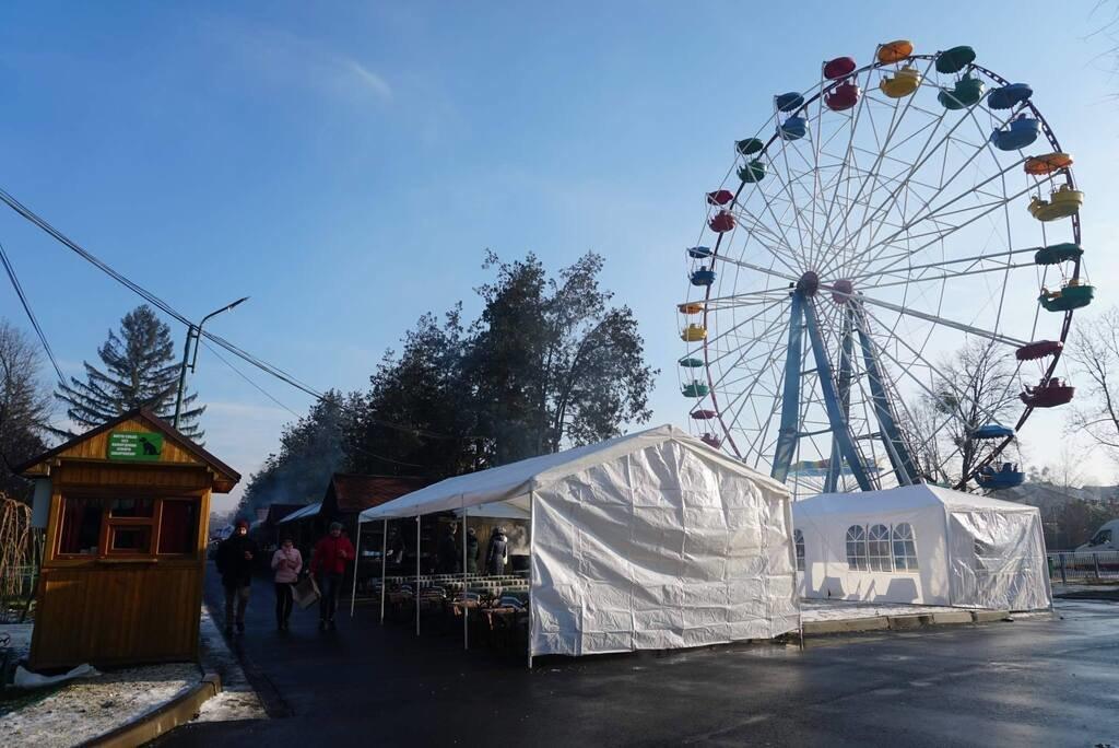 """Готові до урочистого відкриття та гостей: у Мукачеві стартував фестиваль """"Червене вино 2020"""" (ФОТО), фото-3"""