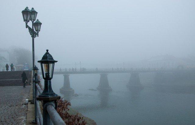 Фото дня: таємничий Ужгород у полоні туману, фото-14