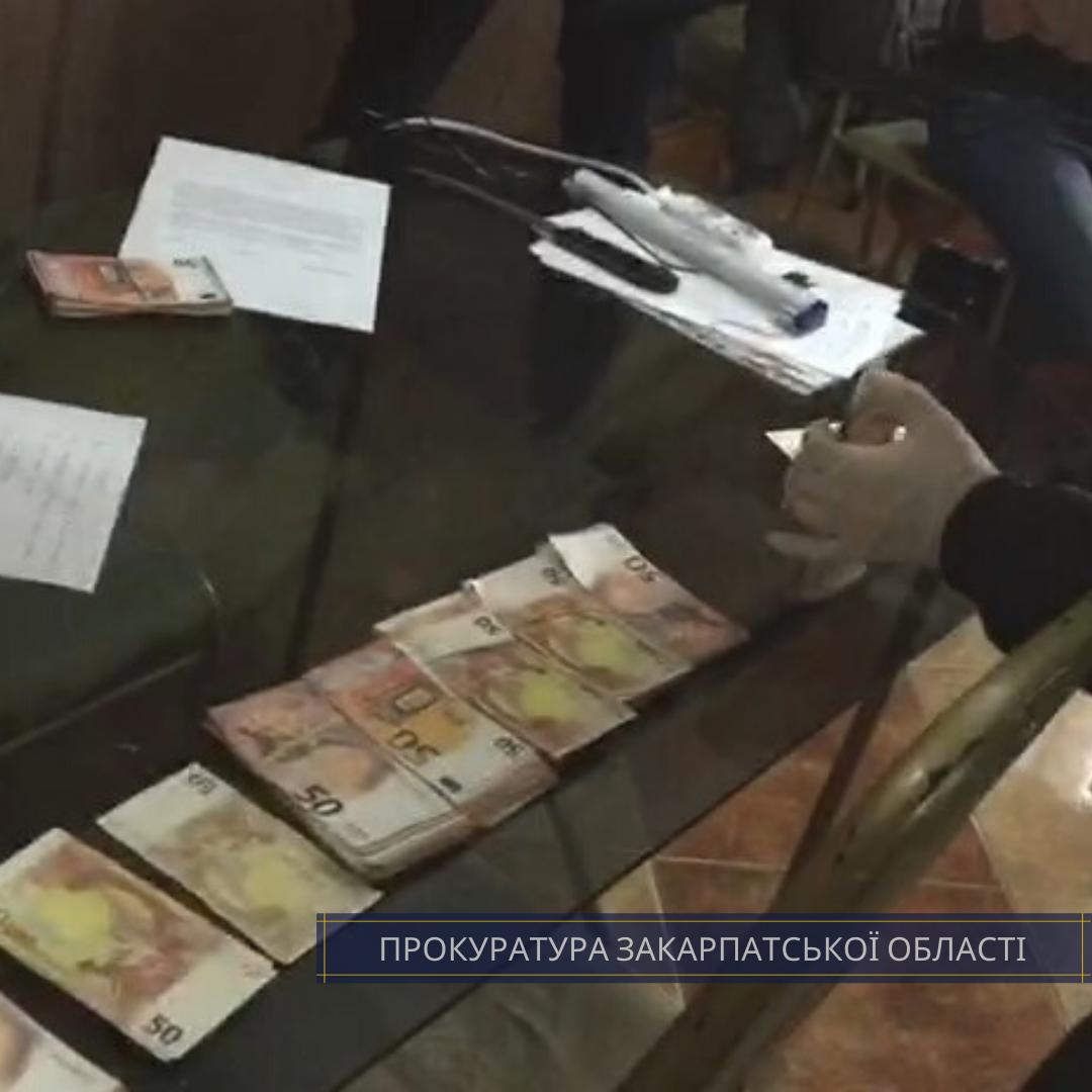 За безперешкодне вселення: на Закарпатті 2 чоловіків вимагали від власника будинку 27 тисяч євро, фото-3