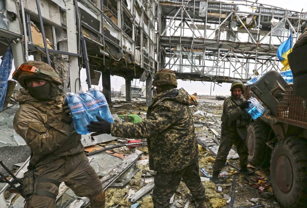 Подвиг тривалістю у 242 дні: в Україні відзначають День пам`яті кіборгів , фото-3