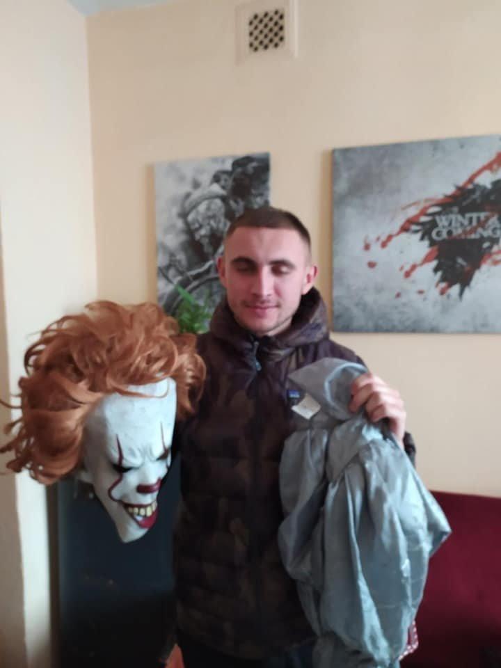 У мережі показали фото закарпатця, який ховався під маскою Пеннівайза , фото-1