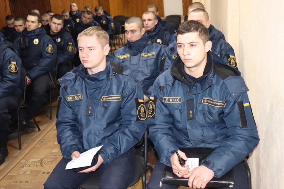 Патрулювання Ужгорода підсилили нацгвардійцями із сусідньої області (ФОТО), фото-1