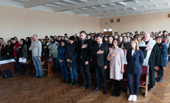 Пам'ятаємо: В Ужгороді відкрили меморіальну дошку загиблому герою АТО Василю Варзі (ФОТО), фото-5